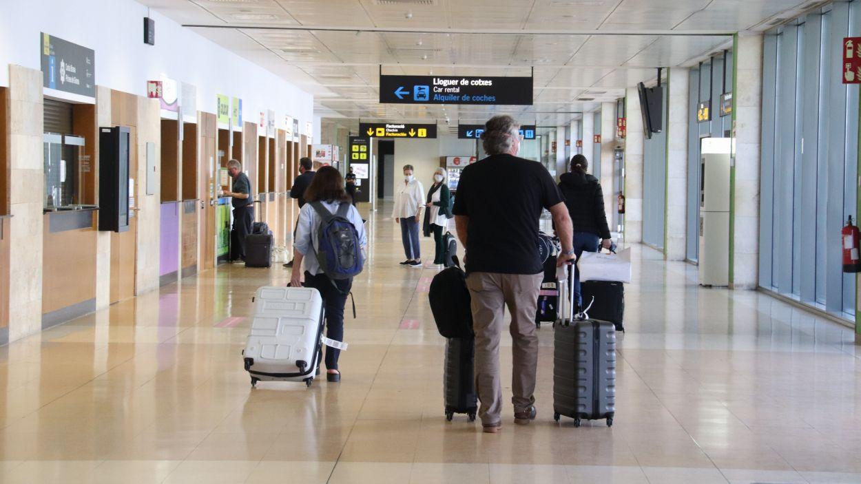 Passatgers a l'aeroport de Girona/Foto: ACN