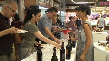 El Mercat de Torreblanca es converteix en una cuina de la mà del xef Valls
