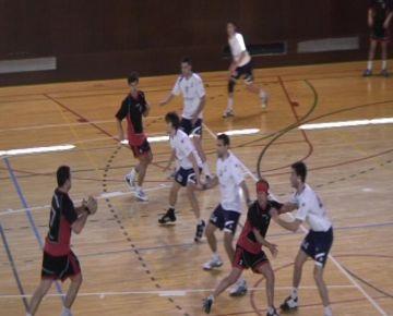 L'Handbol Sant Cugat es col·loca líder de la fase d'ascens contra el Palautordera