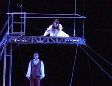 La força dramàtica de 'Romeu i Julieta' cala en el públic santcugatenc