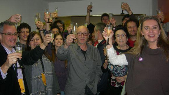 Mireia Ingla, amb alguns militants i simpatitzants del partit