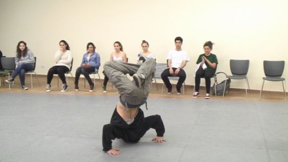 Els joves de la ciutat exhibeixen el seu compromís amb la música i la dansa