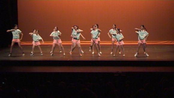 Uns 800 ballarins competeixen al Teatre-Auditori amb les seves millors coreografies