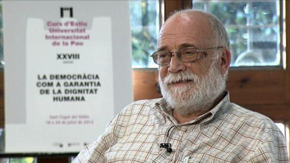 Arcadi Oliveres: 'Els ciutadans no s'han de confondre amb la informació que reben'