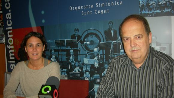 El director de l'OSSC, Josep Ferré, amb una de les membres de l'entitat, Marta López