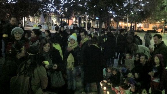 Una setantena de persones es concentren en defensa de l'escola pública
