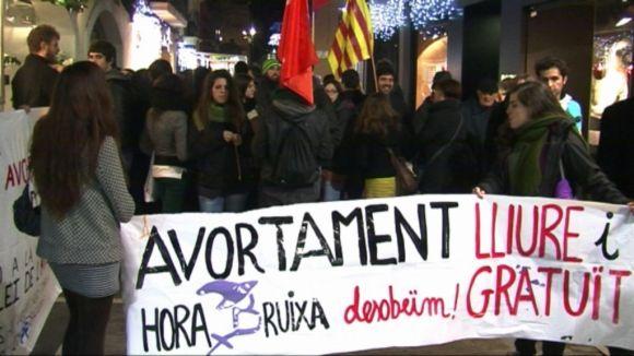 Una cinquantena de persones es manifesta contra la llei de l'avortament