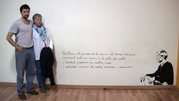 Joan Serra reviu a l'Esbart amb un emotiu homenatge