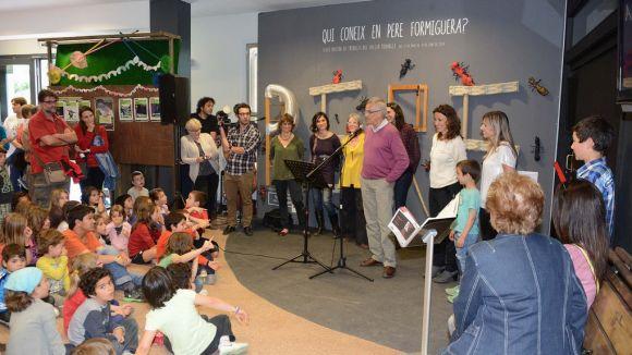 120 nens s'acosten al món de Pere Formiguera de la mà de l'art