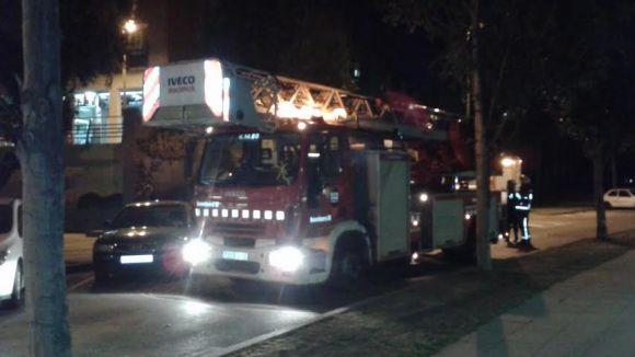 Els Bombers apaguen un petit foc a un habitatge de la Floresta