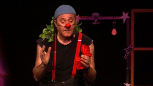 El Casal de Mira-sol esclata en rialles amb el pallasso Marcel Gros