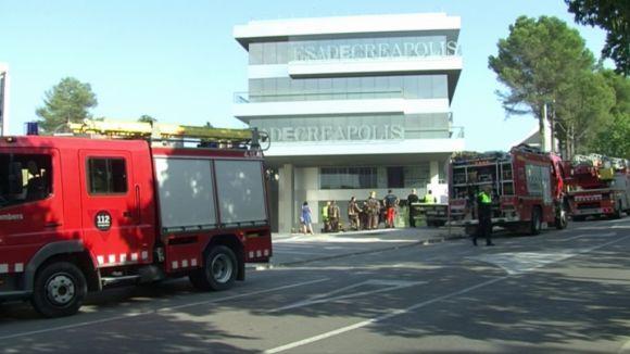L'incendi d'un cotxe obliga a desallotjar EsadeCreapolis