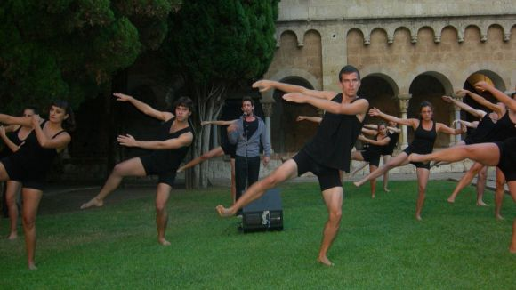 L'Esbart balla en record del 1714