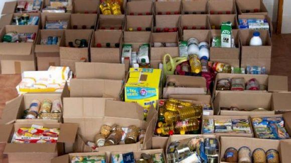 L'escola Viaró recapta 1.000 quilos d'aliments per a Càritas i el Raval