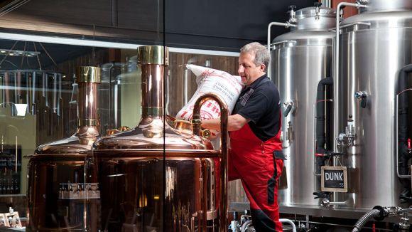 La cervesa Ros-La Pilsner d'Ilda's Town Beer guanya una medalla d'or al Barcelona Beer Challenge