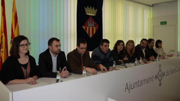 Els alcaldes comarcals fan pinya per mantenir l'activitat de Delphi i defensen el caràcter industrial del Vallès Occidental