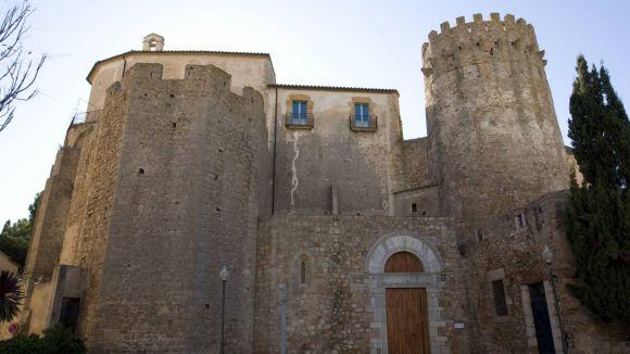 El CRBMC completa la restauració del crist romànic de l'església del Monestir de Sant Feliu de Guíxols