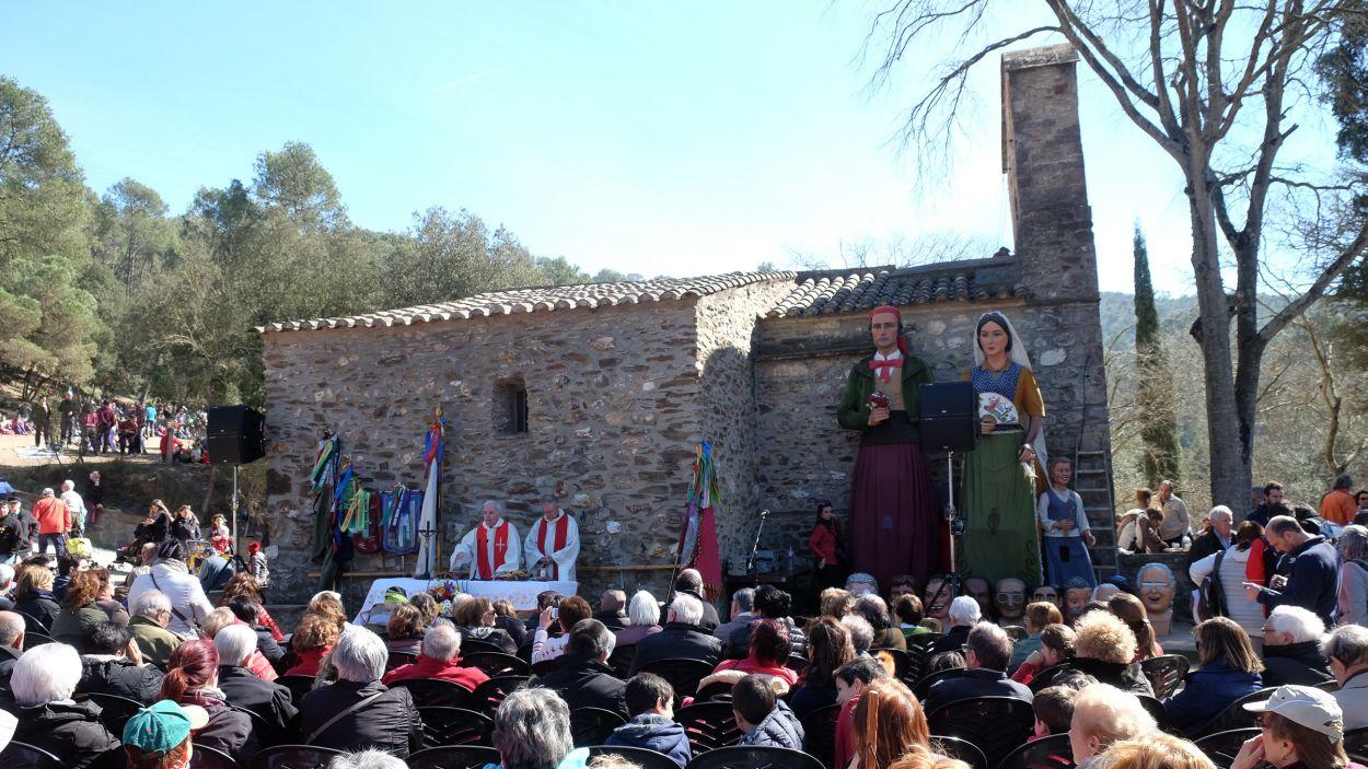 Imatge d'arxiu de la celebració de l'Aplec de Sant Medir, a l'ermita / Foto: Localpres