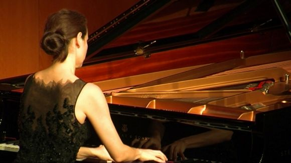 Cristina Casale sedueix el Teatre-Auditori amb un concert carregat de passió