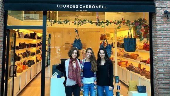 Obre a Sant Cugat la botiga de bosses Lourdes Carbonell