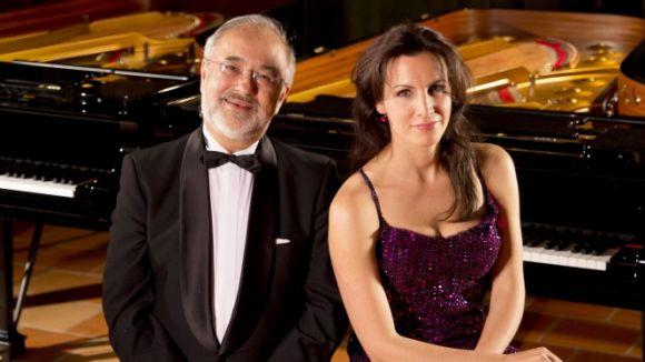 La pianista Cristina Casale edita el disc 'From Bach to Rock' amb Emmanuel Ferrer