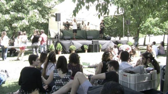 La 6a edició del Pícnic Musical reuneix prop de 300 persones als Jardins del Monestir