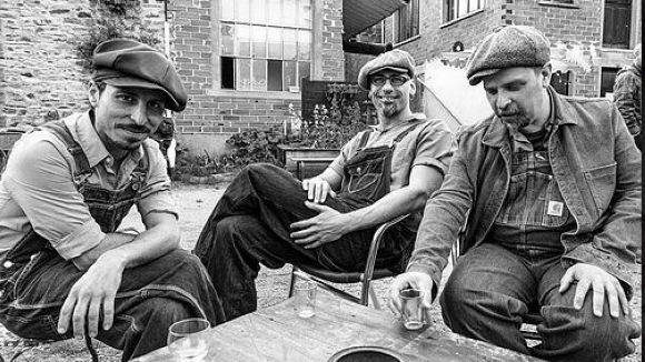 La banda Blas Picón & The Junk Express ofereix avui un concert al Celler Modernista