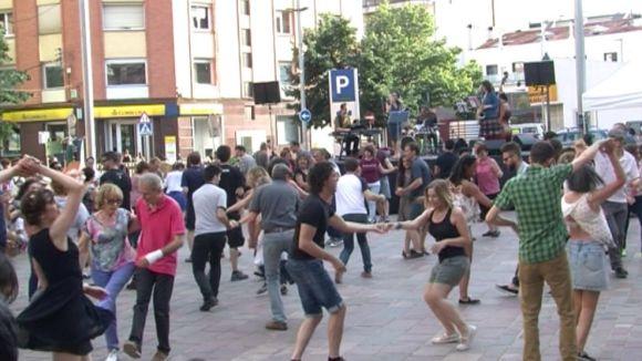 Una ballada de swing a la plaça Can Quitèria en una edició anterior