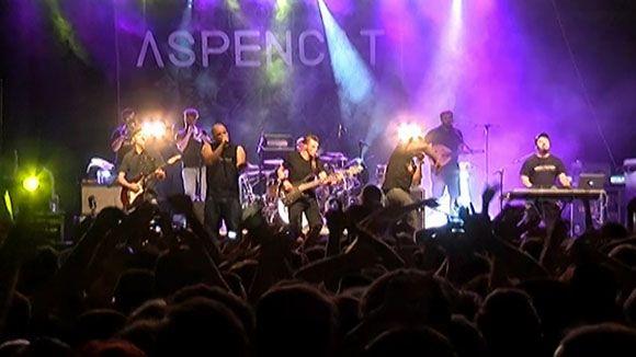 El grup Aspencat fa vibrar la plaça d'Octavià al ritme de 'Tot és ara'