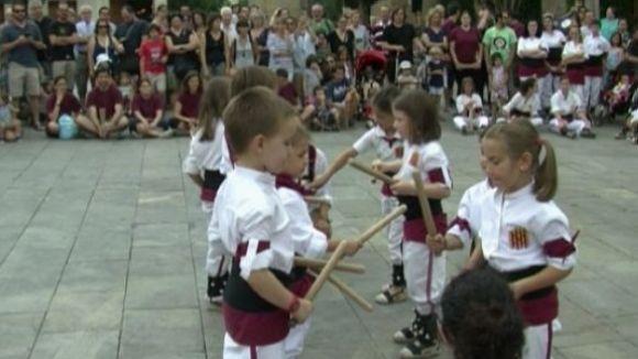 Més d'un centenar de bastoners balla per Festa Major i es prepara per als 25 anys de l'entitat