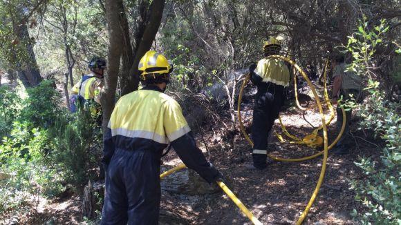 Un nou incendi a Can Boba crema 10 metres quadrats de matolls
