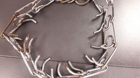 Detall del collaret de càstig