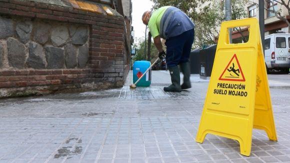 'Sant Cugat, ben neta!' dóna el tret de sortida a dos mesos de neteja intensiva al centre