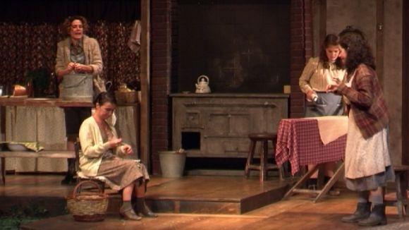 'Dansa d'Agost' fa ballar els records d'una vida perduda al Teatre-Auditori