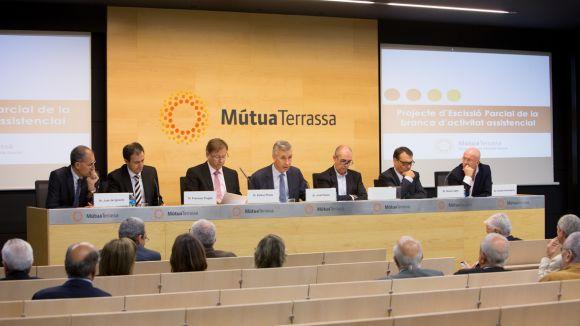 La junta de mutualistes acorda dividir MútuaTerrassa en fundació assistencial i mútua asseguradora