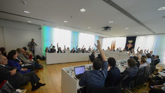 Rebuig del ple de Sant Cugat a la proposta del PSC per 'protegir l'Ajuntament' de l'1-O