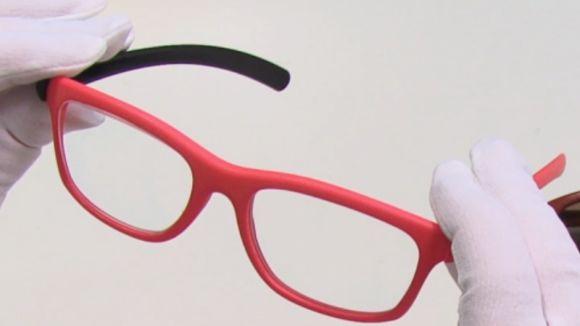 La companyia de lents Indo promou un projecte per  crear ulleres personalitzades amb impressores 3D
