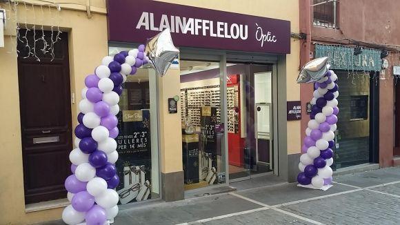 Alain Afflelou regalarà aquest divendres 100 ulleres als 100 primers que visitin l'òptica de Sant Cugat