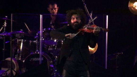 El violinista Ara Malikian mostra a un Teatre-Auditori ple la seva història vital