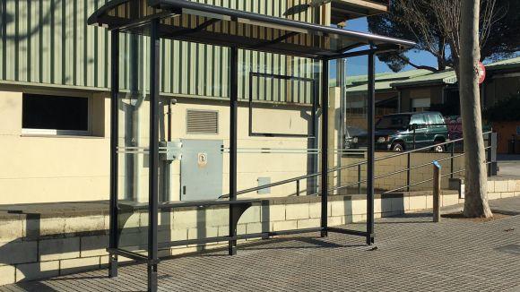 L'EMD de Valldoreix renova vuit marquesines d'autobús al passeig de Rubí i al carrer Brollador