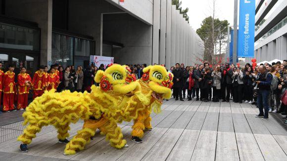 Esade s'impregna un any més de cultura xinesa amb la celebració de l'entrada de l'Any del Gall