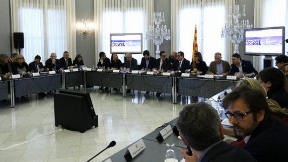 Els cotxes de més de 20 anys no podran circular els dies feiners per l'entorn de Barcelona a partir del 2019
