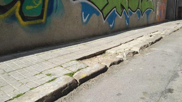 La formació ha posat la vorera del carrer de Sant Medir com a exemple