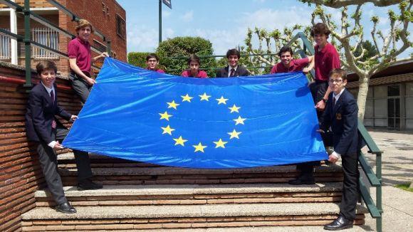 Vuit estudiants del Viaró guanyen el concurs Euroscola amb un reportatge sobre el dret d'asil