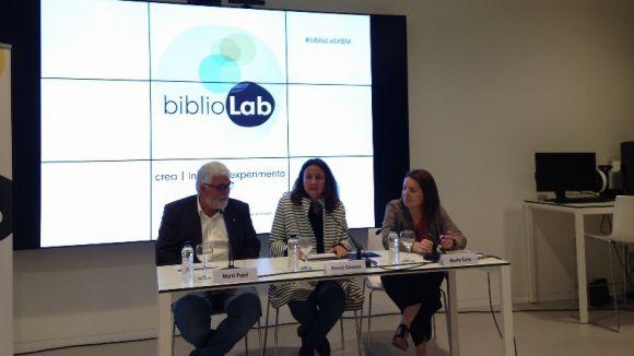El vicepresident de cultura de la Diputació de Barcelona, Martí Pujol, la presidenta Mercè Conesa i la gerent de biblioteques Marta Cano