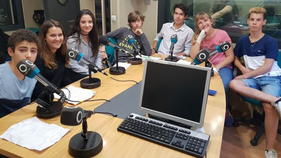 Els alumnes del Leonardo que han participat a la secció d'aquest dilluns