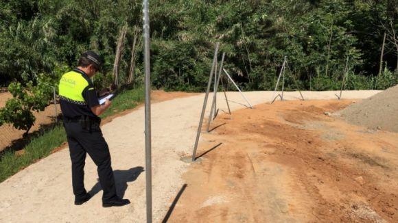 La Policia Local investiga 'un acte vandàlic' a una parcel·la del carrer de Pierrot de Valldoreix