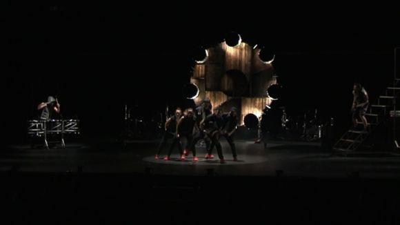 L'espectacle 'BrincaBros Vibra' ha portat ritme i música al Teatre-Auditori