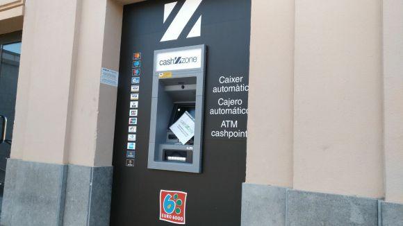 En funcionament el caixer automàtic que FGC ha instalat a l'estació de Sant Cugat