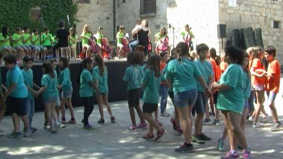 150 alumnes de primària mostren el seu talent musical al concert de cloenda 'Sentim el Claustre'